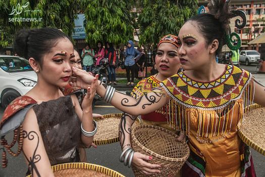 کارناوال قوم دایاک در اندونزی,زنان اندونزی
