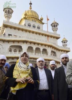 ظریف به همراه همسرش در هند , محمدجواد ظریف در معبد , محمدجواد ظریف در هند , محمدجواد ظریف وزیر امور خارجه ایران
