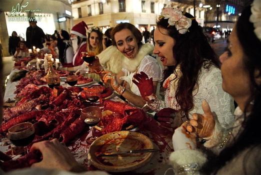 خون خوری در شام کریسمس , خون خوری نمادین در شام کریسمس , خوردن خون در شام کریسمس , فعالان دفاع از حقوق حیوانات