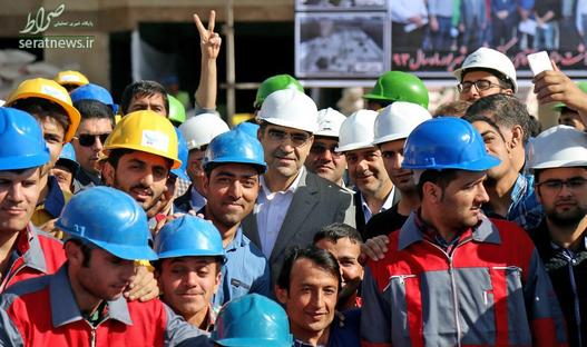 عکس یادگاری با کارگران در بجنورد