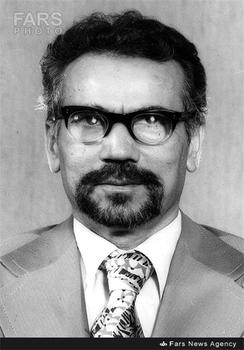 علی شریعتمداری وزیر فرهنگ و آموزش عالی دولت موقت بازرگان