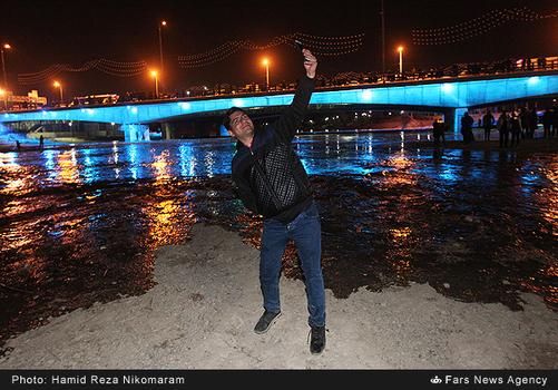 resized 364474 555 - آب در زاینده رود مردم اصفهان را خوشحال کرد + تصاویر جاری شدن آب در زاینده رود