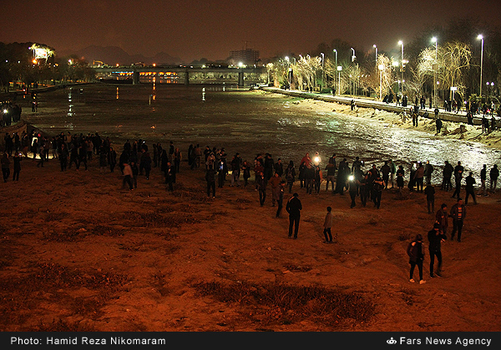 resized 364478 649 - آب در زاینده رود مردم اصفهان را خوشحال کرد + تصاویر جاری شدن آب در زاینده رود