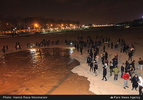 resized 364480 290 - آب در زاینده رود مردم اصفهان را خوشحال کرد + تصاویر جاری شدن آب در زاینده رود