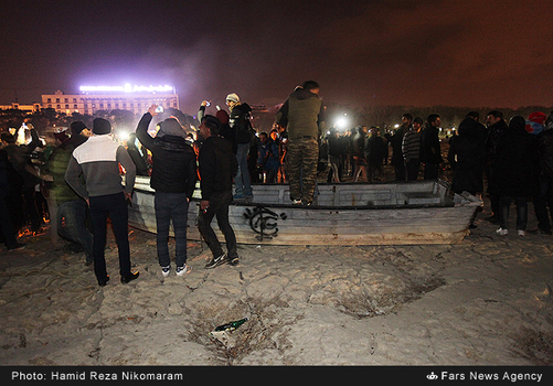resized 364482 122 - آب در زاینده رود مردم اصفهان را خوشحال کرد + تصاویر جاری شدن آب در زاینده رود