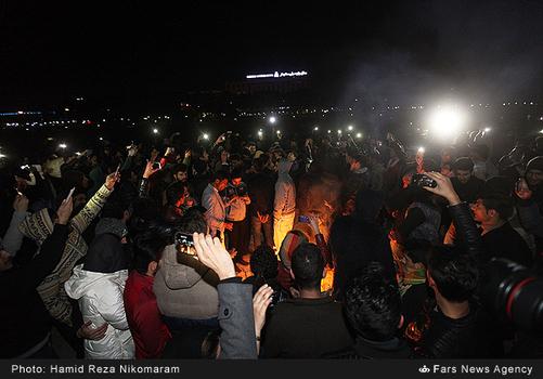 resized 364483 906 - آب در زاینده رود مردم اصفهان را خوشحال کرد + تصاویر جاری شدن آب در زاینده رود