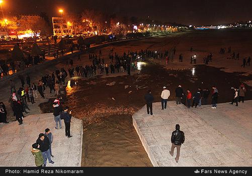 resized 364486 953 - آب در زاینده رود مردم اصفهان را خوشحال کرد + تصاویر جاری شدن آب در زاینده رود