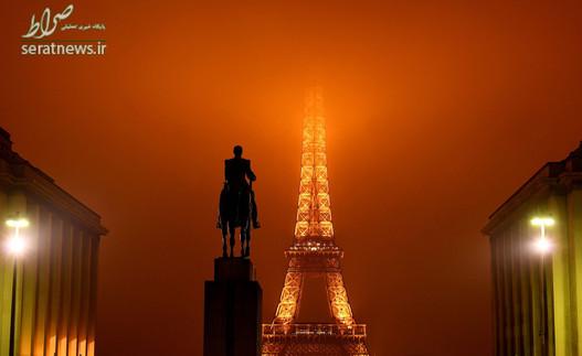 مجسمه مارشال فوش جنرالیسیمو ارتش فرانسه در جریان جنگ جهانی اول و نمایی از برج ایفل در مه