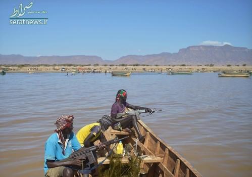 ماهیگیران مسلح کنیا در منطقه تورکانا