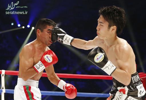 لحظه اصابت مشت بوکسور ژاپنی بر روی صورت بوکسور مکزیکی