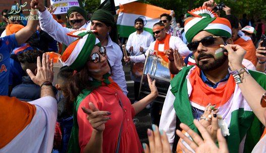 طرفداران کریکت هند پیش از بازی این تیم مقابل پاکستان در بیرمنگام انگلیس