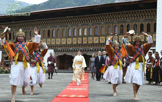 شاهزاده خانم ماکو  نوه امپراتور آکیهیتو ژاپن با پوشش کیمونوی سنتی در یک صومعه بودایی