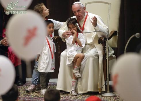 دیدار پاپ فرانسیس رهبر کاتولیک های جهان با کودکان زلزله زده در واتیکان